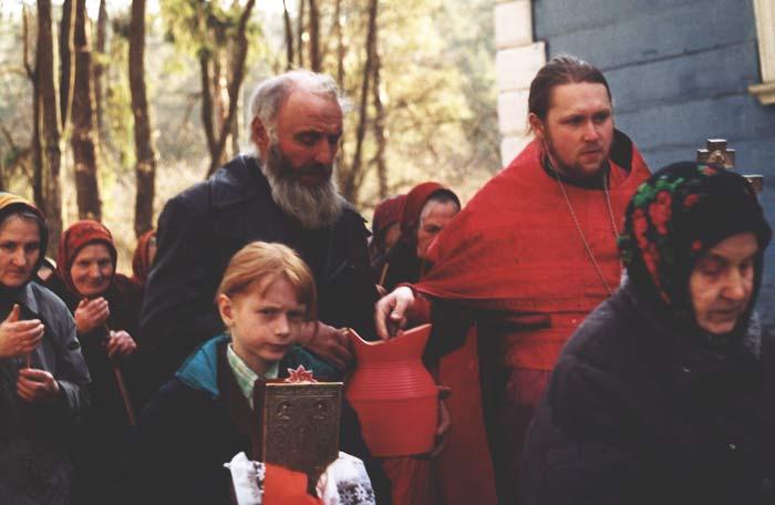Пасхальная неделя 2001 г. Крестный ход.