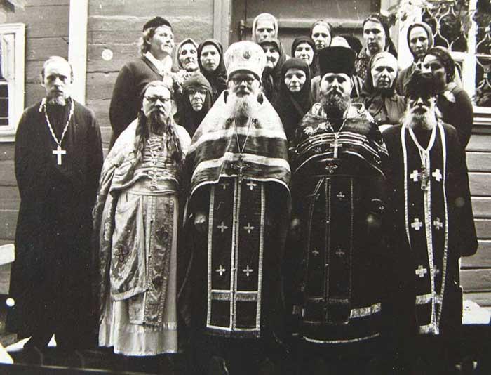 Престольный праздник. О. Агафангел и священство. 1960-е гг.